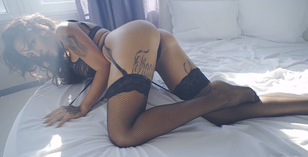 hot sexy tattoo girls